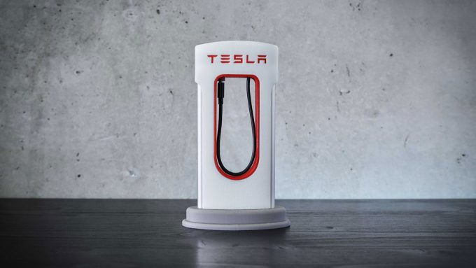 Tesla Supercharger für iPhone & Co.
