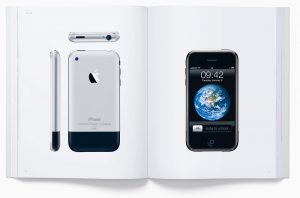 Buch: Designed by Apple in California